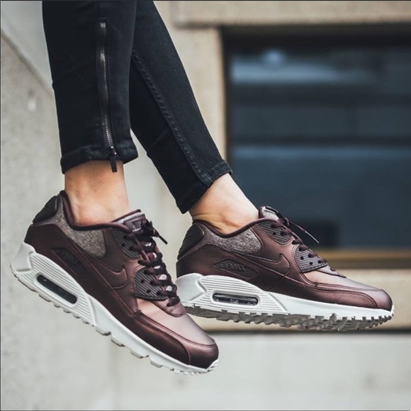 new product 0b5b8 0e464 New Nike Air Max 90 Premium Metallic Mahogany